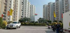 सभी शानदार सुविधाओं के साथ शहर के बीच 2 & 3 बीएचके फ्लैट्स .