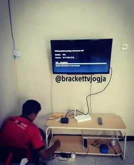 Bracket tv kedinding ruangan