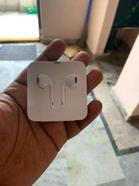 Apple Iphone XR ear phones