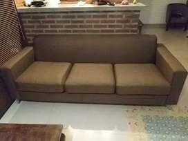 Service sofa bergaransi