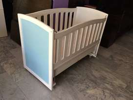 super offer baby cot brand new