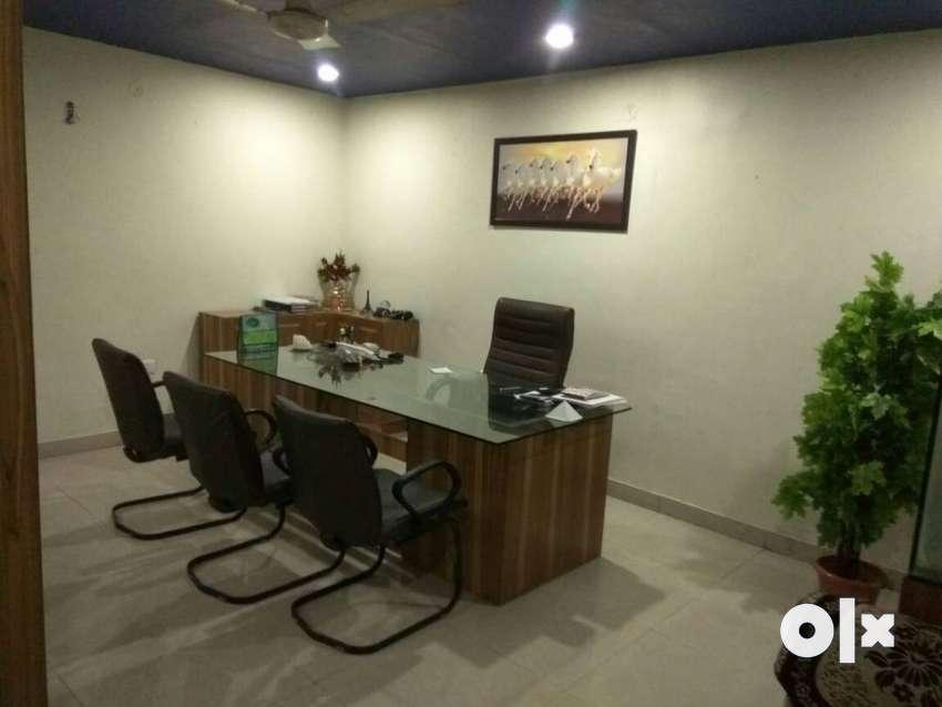 240sqfeet furnish with seperate cabin vishvakarma chownk miller ganj 0