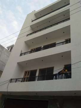3bhk independent floor in Rajendra park