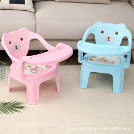 Kursi Makan Dengan Meja Bentuk Beruang