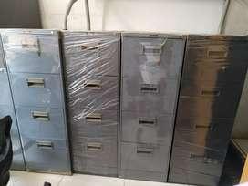 Lemari besi/filling cabinet