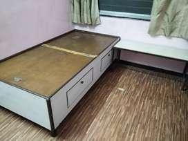 Hydrolic Box Diwan