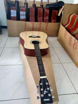 Gitar Yamaha jumbo tanem besi kondisi baru