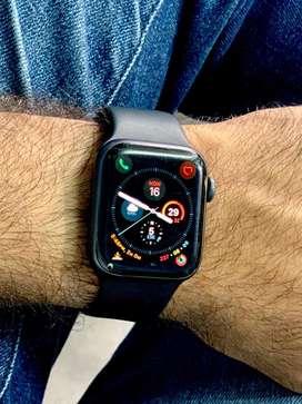 Apple Watch4 (GPS+CELLULAR) Under Warranty -40mm