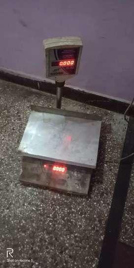 Weight machine in first hand