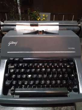 Satish typewriters
