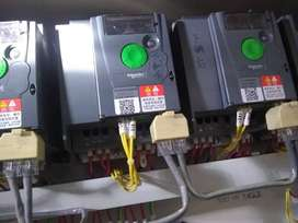 Electrician or electrical contractor available at karachi.