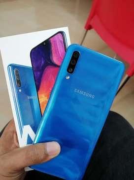 Samsung galaxy A50 box piece price negotible