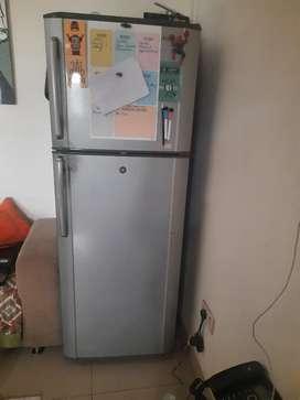 350 Litre Samsung Double door refrigerator in excellent condition