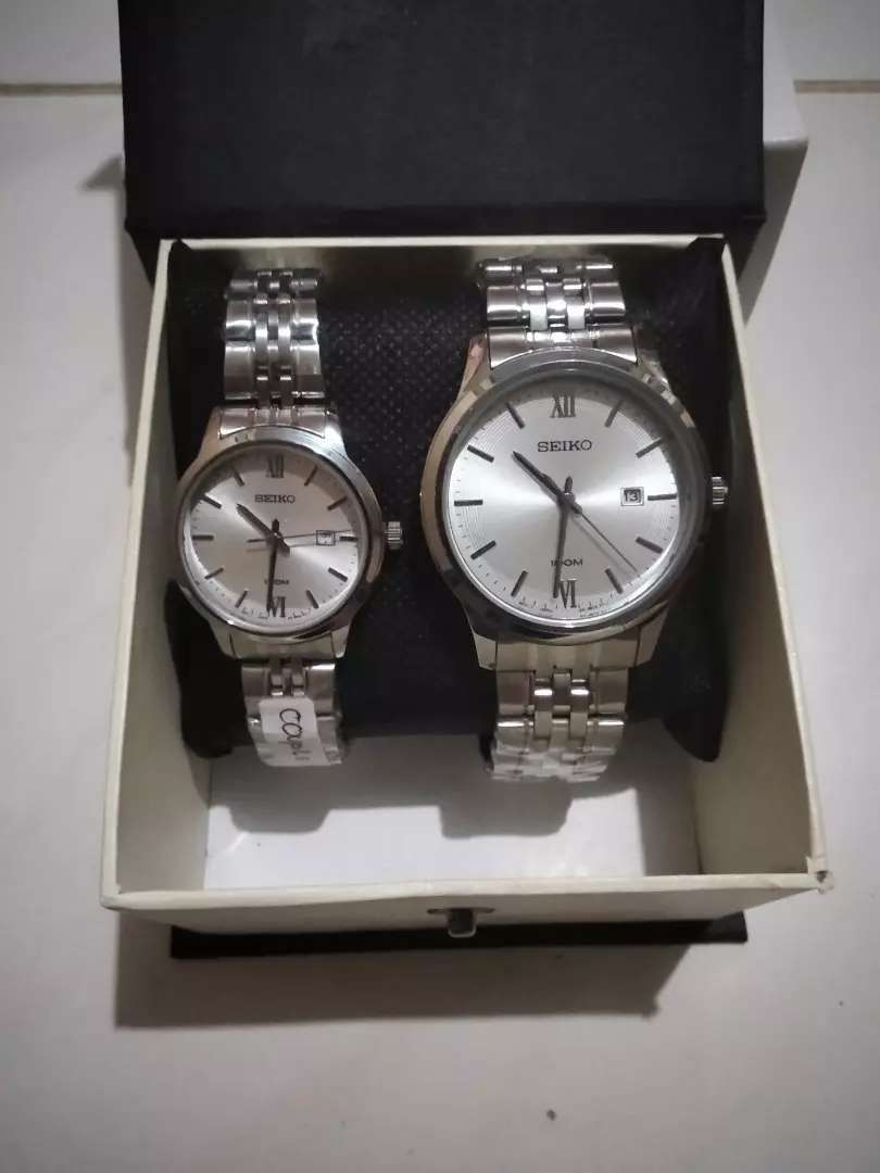 Arloji Couple Merk : SEIKO, Strap Stainless Steel