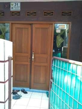 Disewakan Rumah di Cipinang Besar Utara dekat Stasiun Jatinegara