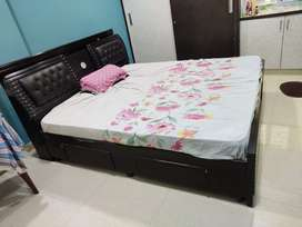 Bed and mattress 6*6