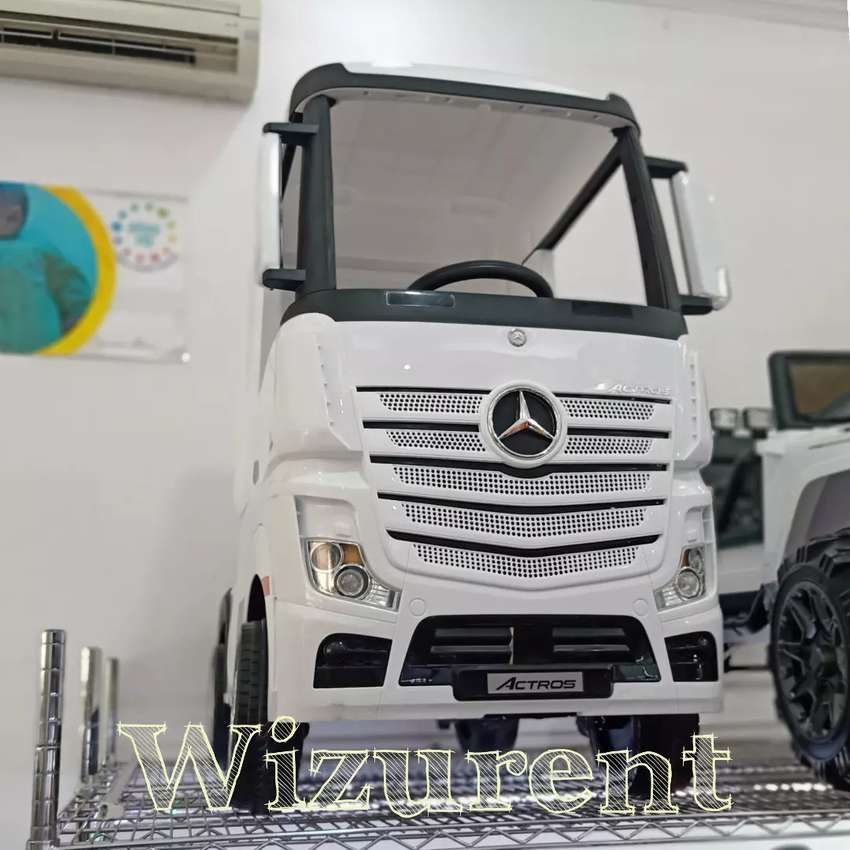 Mobil aki truck mercy actros lisenced 0