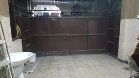 Beautifull 5marla double story house 5bed for rent johar town b Block