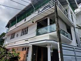 Paying guest for ladies near kaloor - 5 min walk from kaloor bus stand