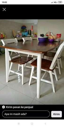 Meja makan Cafe untukan