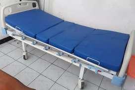 Ranjang pasien baru dipakai 2 minggu