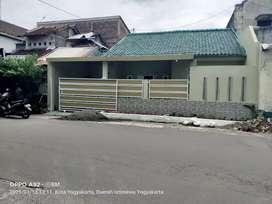 Rumah strategis Kodya 100 meter  terminal Giwangan dekat Tamansiswa