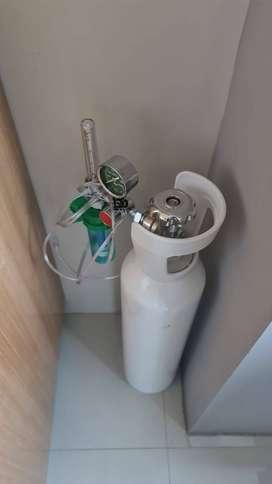 Tabung oxygen 1m3 sama regulator lengkap