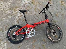 """Sepeda Lipat izi Q5 Merah Rakitan 22"""" XLR8"""