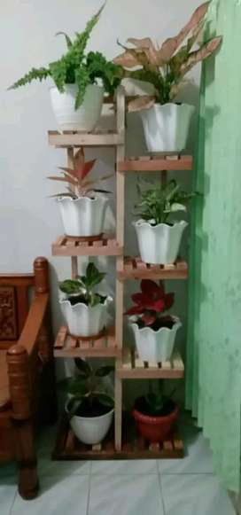 Rak bunga  bahan kayu
