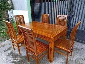 Meja 1,5 Meter dan 6 Kursi Makan Full Jati Motif Bunga Mantab