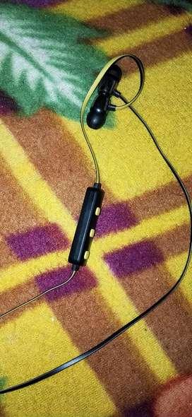 syska bluthooth earphone