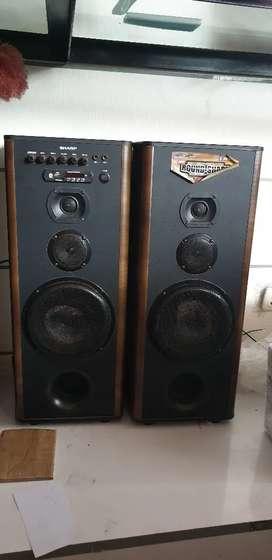 Speaker Aktif SHARP tipe CBOX-B805UBO2 jual pajangan Rp 700.000 net