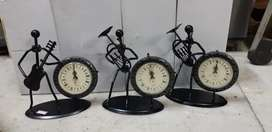 Antique look dancing clock