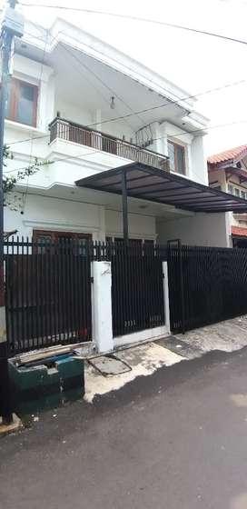 Dijual murah rumah Rawamangun, cakep baru renov, komplek dekat Arion