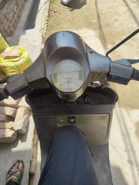 Lml nv scooter at rs 11000