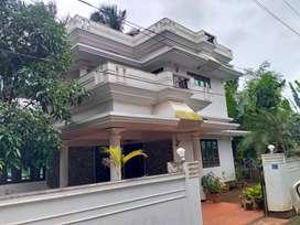 thrissur kalathode 6,500 cent 4 bhk grand villa