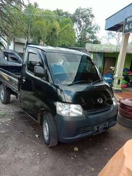 Gran max 2014 warna hitam