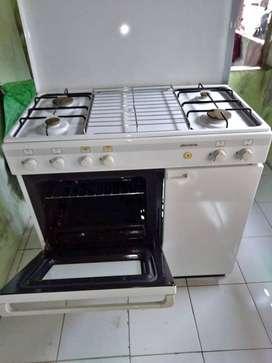 Kompor Modena Freestanding Oven