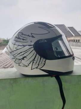 Jual Helm bekas merk KBC
