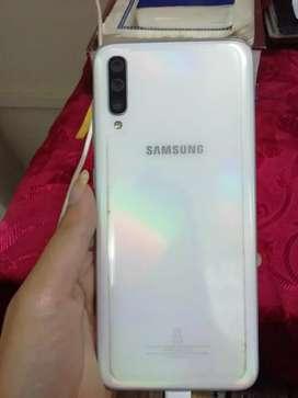 Samsung Galaxy a70 (8months 10days)