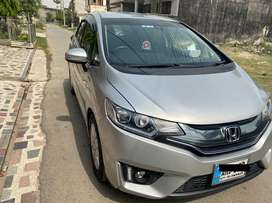 Honda fit 2014 / import 2018 in lush condition