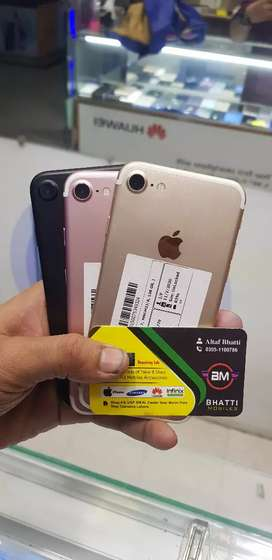 IPHONE 7 128GB NON PTA WITH ORIGNAL CHARGER