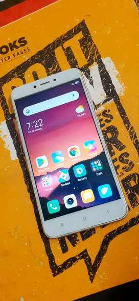 Redi 4 (3/32gb) 1 year plus phone with all accessories