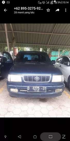 Mobil kijang lgx thn 2000