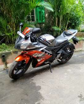 Sell Yamaha YZF R15 V2 special edition look like a new bike