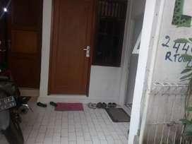 Sewa Rumah Kontrakan 19 m Salemba Tengah minimalis