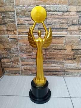 Trophy OSCAR ( bahan resin )