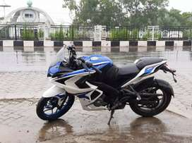 8 month OLD Pulsar RS200. totally in new condition.