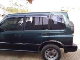 Mobil escudo tahun 1996