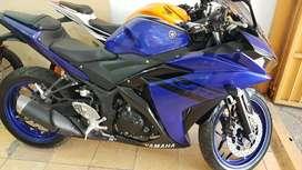 Yamaha R25 (250cc)